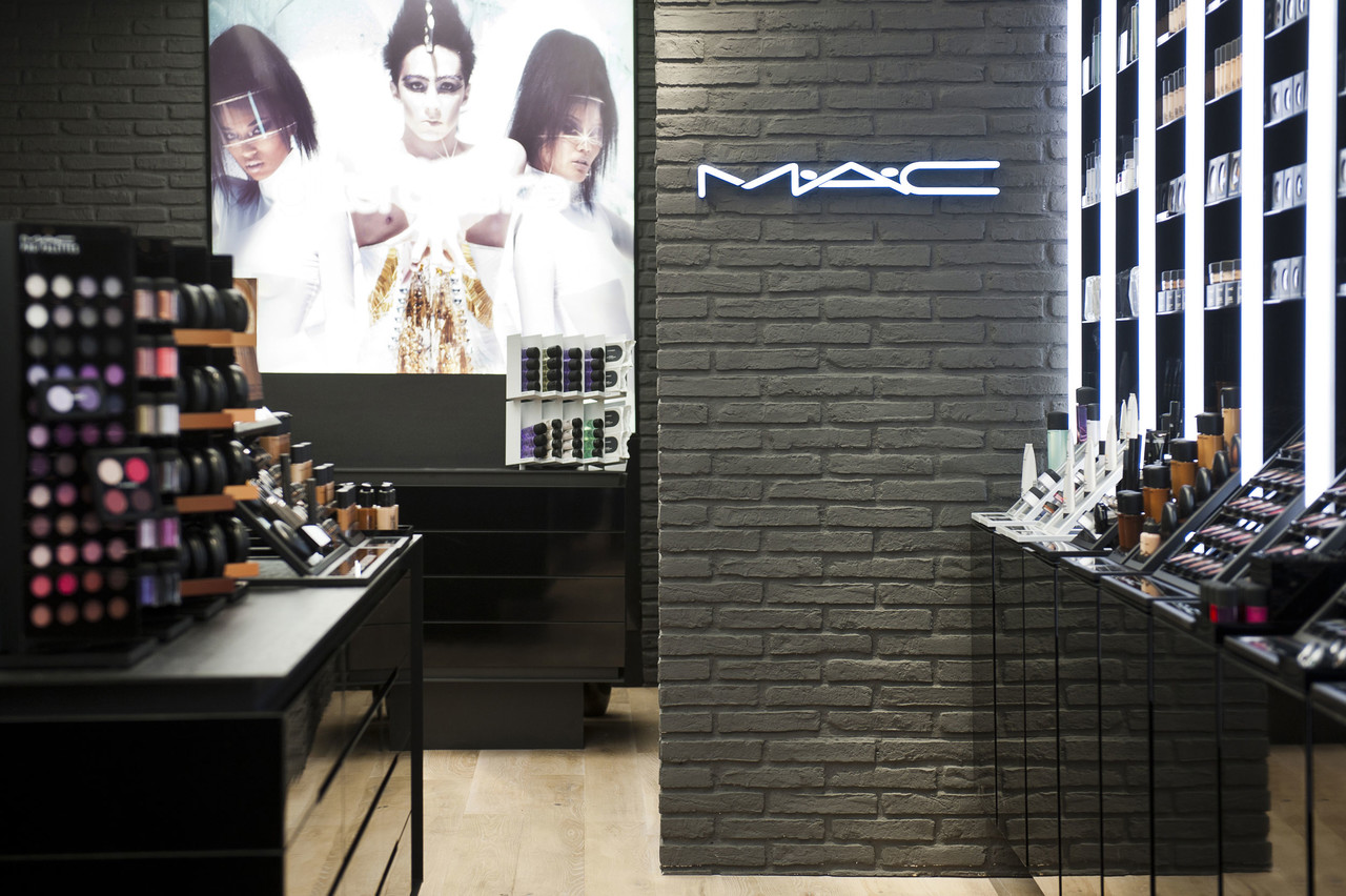 mac cosmetics store liege work pinkeye designstudio
