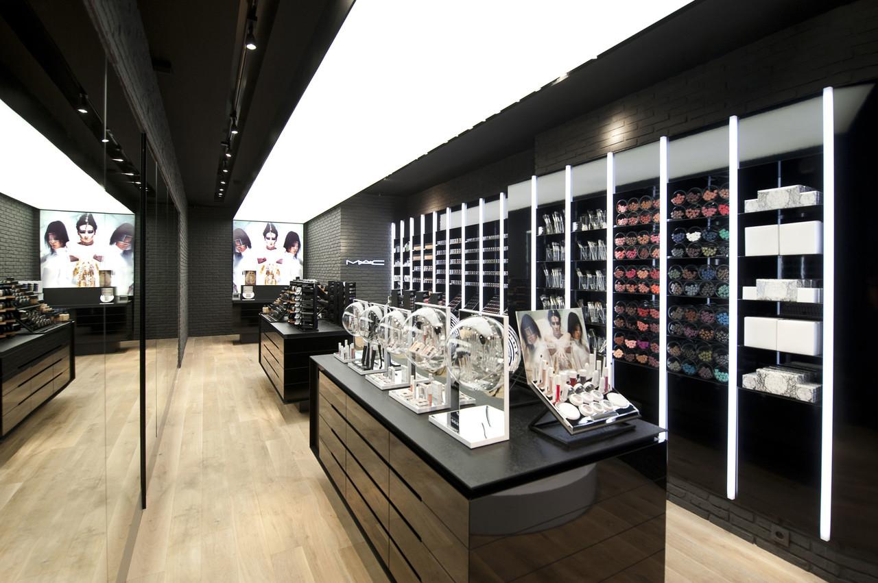 MAC Cosmetics Store Liege - Work - Pinkeye designstudio # ...